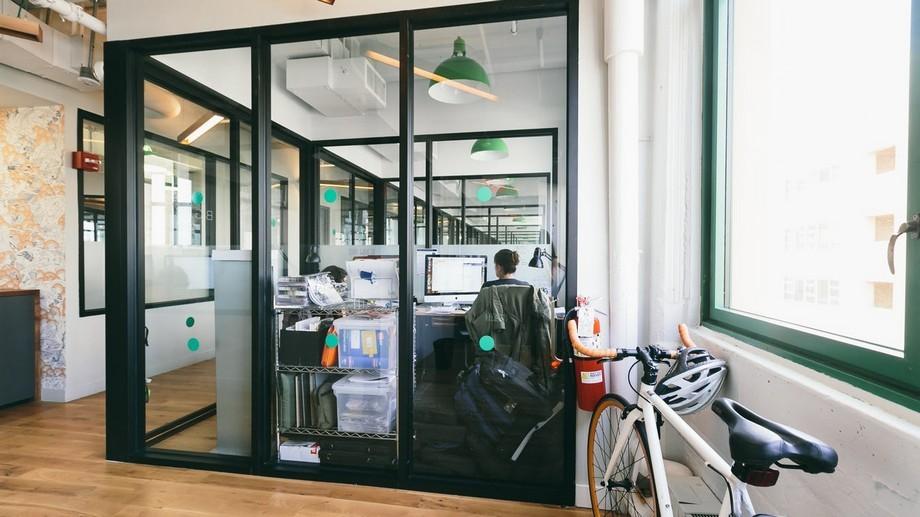 Mẫu thiết kế phòng làm việc cá nhân trong không gian làm việc chung
