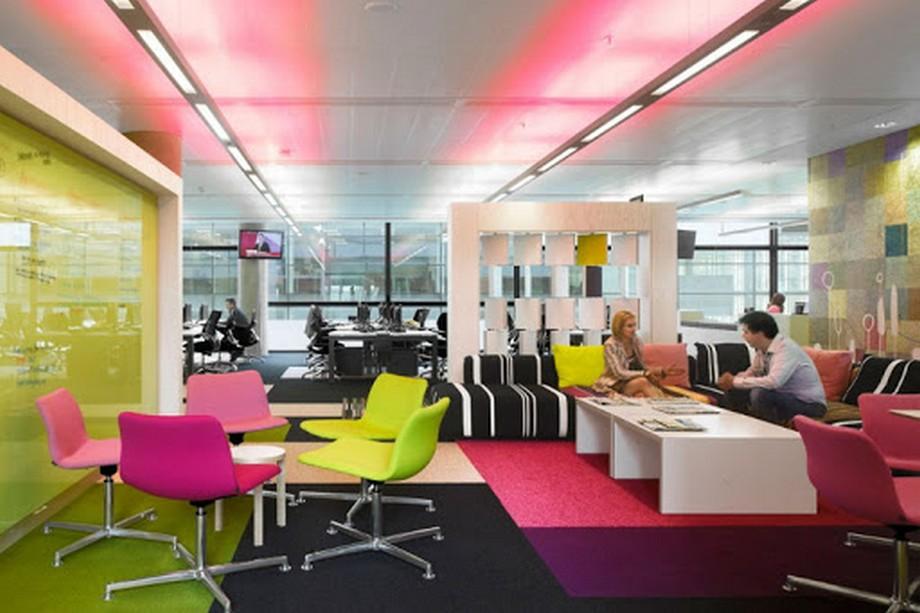 Màu sắc là điểm nhấn cho phong cách thiết kế văn phòng vui nhộn