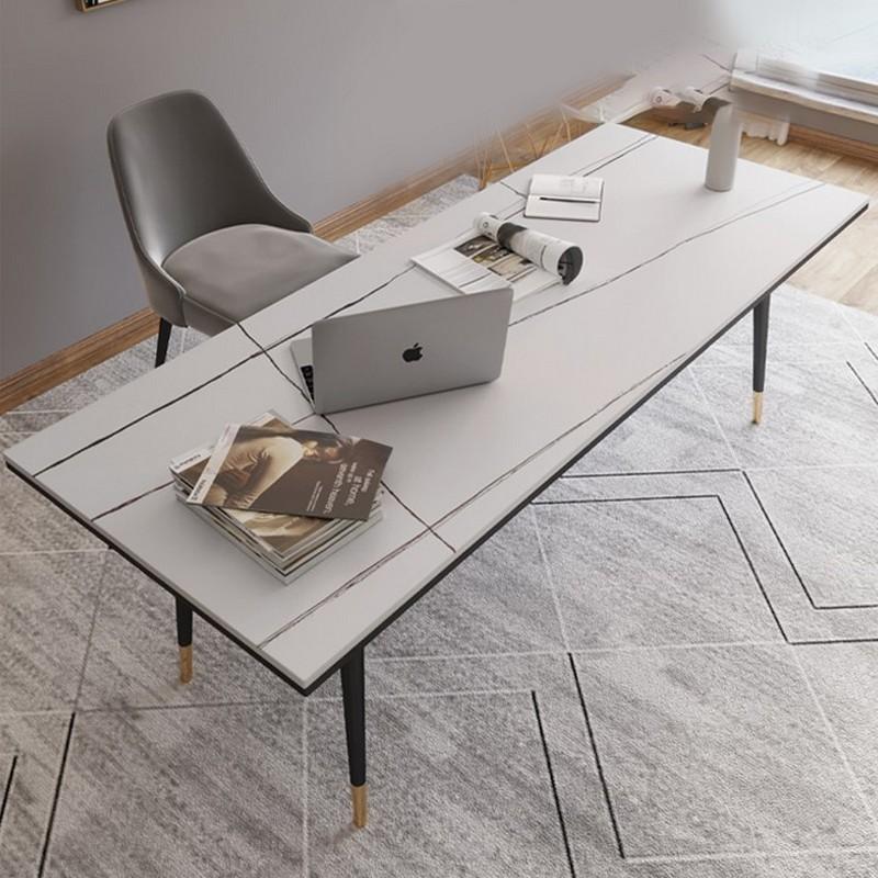Người mệnh Thổnên lựa chọncác mẫu bàn làm việc có dạng hình chữ nhật
